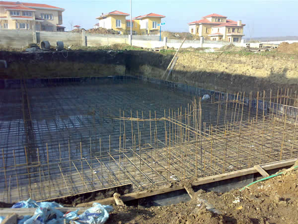 Pool building - foundation